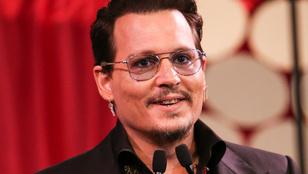Johnny Depp stílust váltott