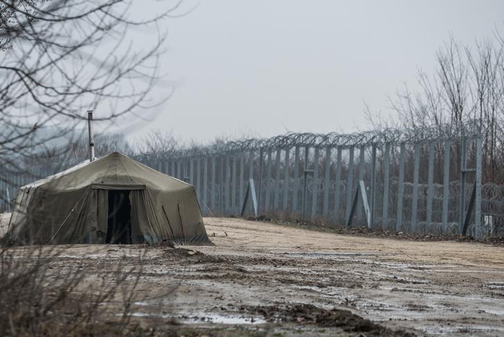 Őrposzt a határ magyar oldalán