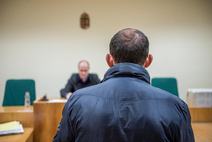 Koszovói menekült a bíróság előtt