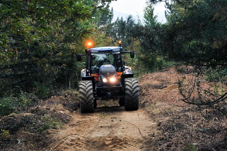 Természetes közegében erdőgazdasági munkákra is alkalmas Landini