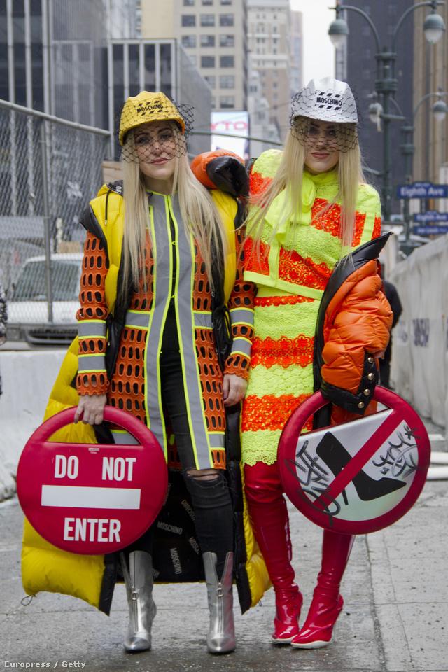 Idén sem ciki kilógni a sorból New Yorkban, ahol már hordják a Moschino féle autószerelős, autómosós ás útjelzőtáblás cuccokat.