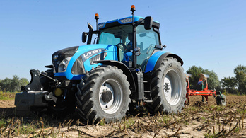 Világrekordot traktoroztunk