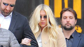 Reagált a nemi erőszak vádjára Kesha producere