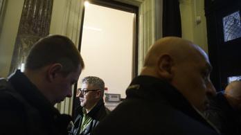 Helsinki Bizottság: Bűntett a népszavazási kezdeményezés akadályozása
