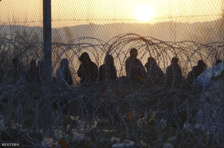 Ezrek torlódtak fel a macedón-görög határon