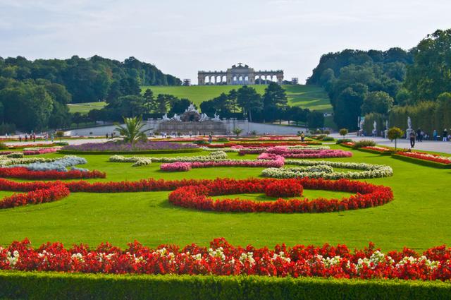 Schönbrunn tavasszal tele van kocogó nénikkelFotó: Northfoto