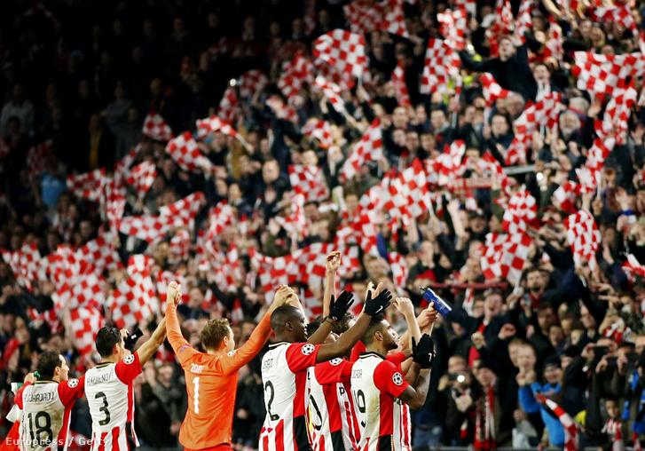A PSV kerete tele van hollandokkal
