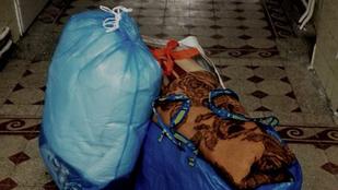 Tényleg szánalmas: civilek visznek takarót a kórháznak