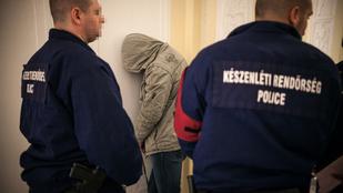 Beépített rendőröknek árulta a drogot a tűzoltó