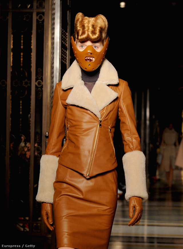 Hannibal Lecter maszkot kapott a Gareth Pugh modellek a londoni divathéten.