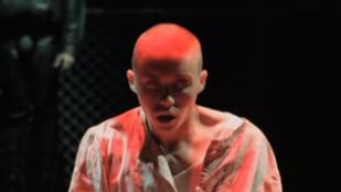 Öten elájultak a londoni Nemzeti Színház új darabján