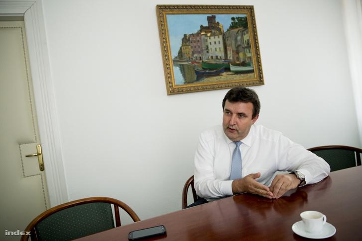 Paklovics László