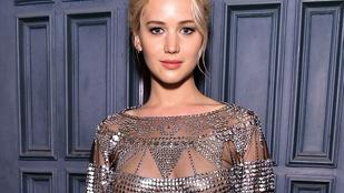Jennifer Lawrence felsője most átlátszik, vagy sem?