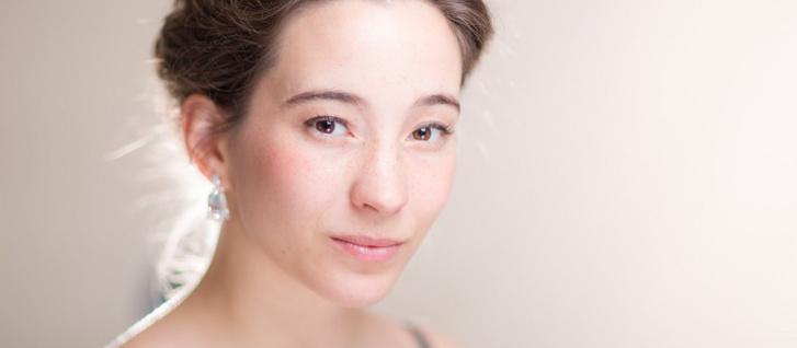 Isbé szerepében Katherine Watson