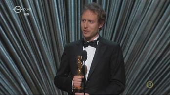 Így vette át Nemes Jeles László az Oscar-díjat