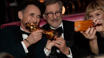 Az összes Oscar-nyertes együtt áll sorba