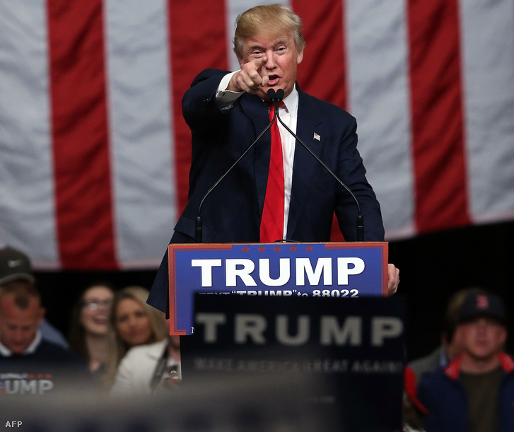 Donald Trump dél-karolinai kampánykörútján, North Charlestonban tartott beszédén, 2016. február 19-én.