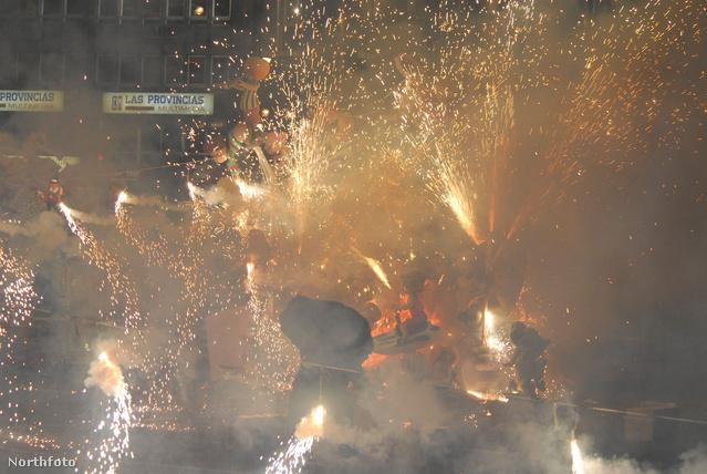 A Las Fallasra csak az menjen, aki nem fél a tűztől