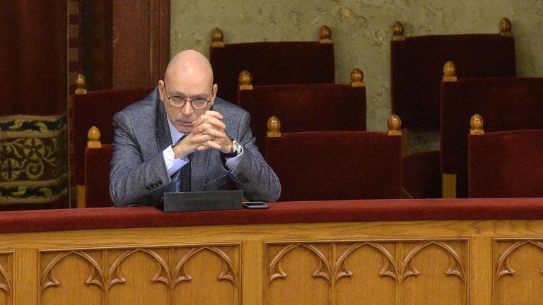 Az adatvédelmi biztos is keményen nekiment a Fidesz javaslatának.