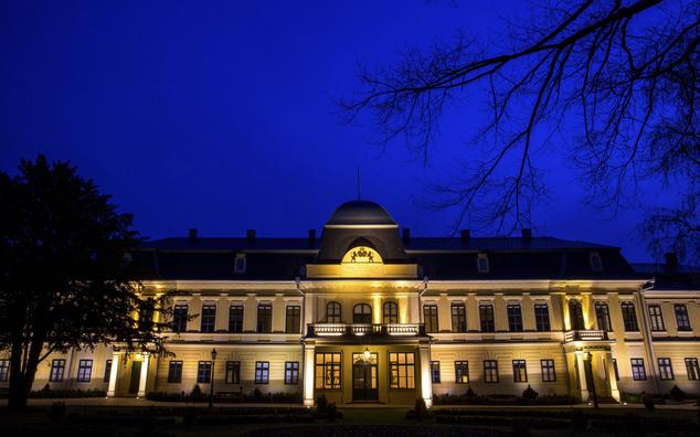 A gyulai Almásy-kastély éjszaka