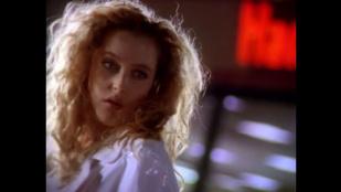 Gillian Anderson egy gyorsétterem reklámjában, megvolt?