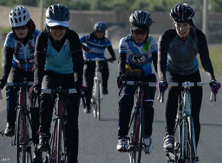 Az afgán női kerékpárcsapatot is jelölték