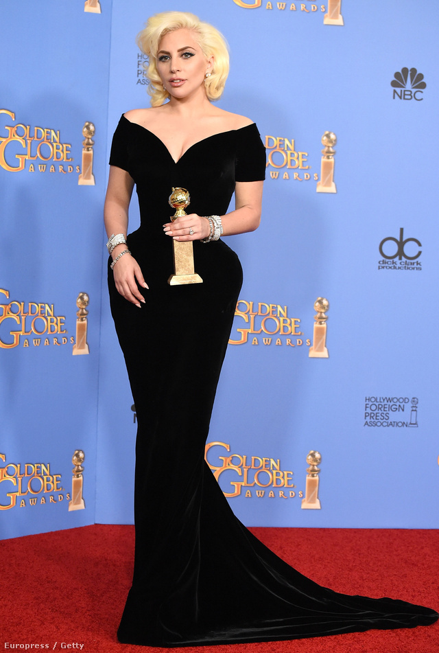 Versace: nagy kedvencünket Lady Gaga viselte a Golden Globe-on.