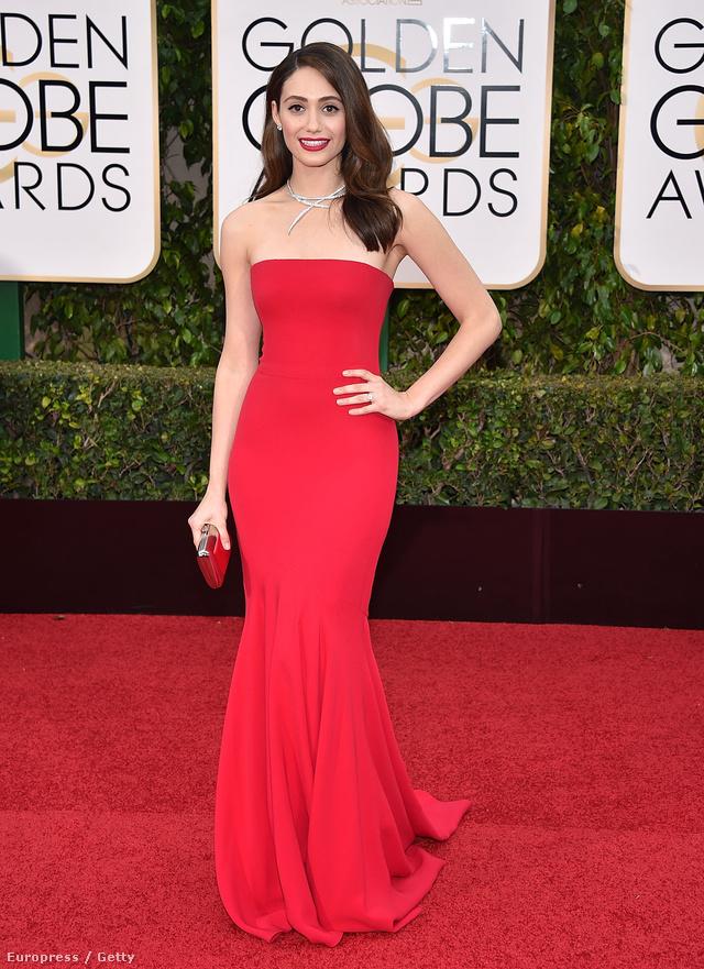 Elérkeztünk az Armanikhoz. Az olasz cég a Golden Globe-on csak Emmy Rossumra adott ruhát.