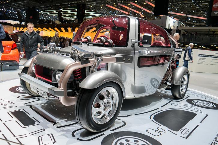 Toyota Kikai - Lovak helyett hibridhajtás, hátul