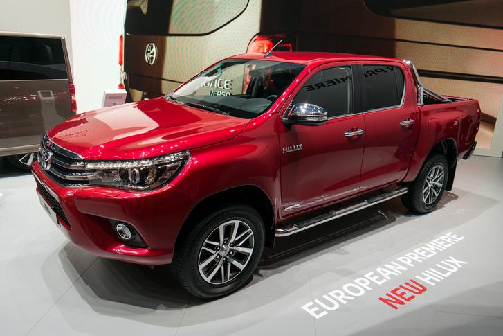 Toyota Hilux - A hossza 5,3 méter, a terhelhetősége 1 tonna fölé nőtt