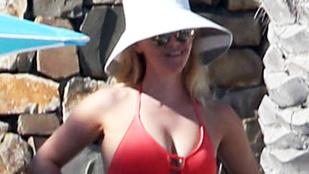 Reese Witherspoon bemutatja: A csöcskontent