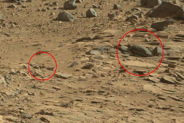 Cross-seen-on-Mars