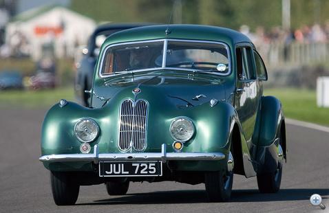 A legelső Bristol 400, még nagyon BMW-sen, 1947-ből