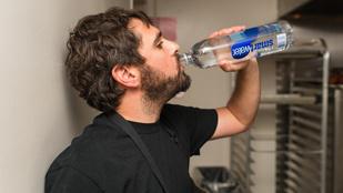Vízivással a fogyás is könnyebb