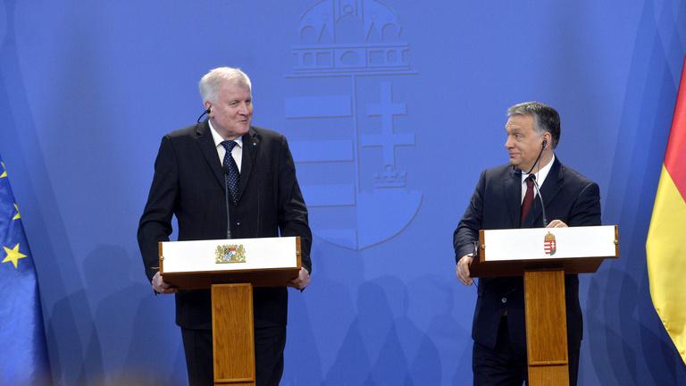 Orbán: Nem Merkel ellen jöttünk össze