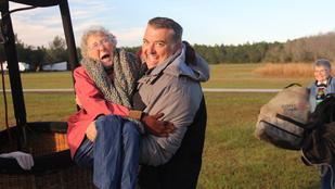 Kemó helyett inkább élete utazására indult egy 90 éves nő