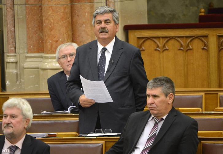 Farkas Sándor az Országgyűlés plenáris ülésén 2014. november 19-én.