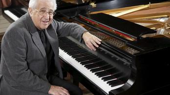 Zenével segít a kórháznak Frankl Péter