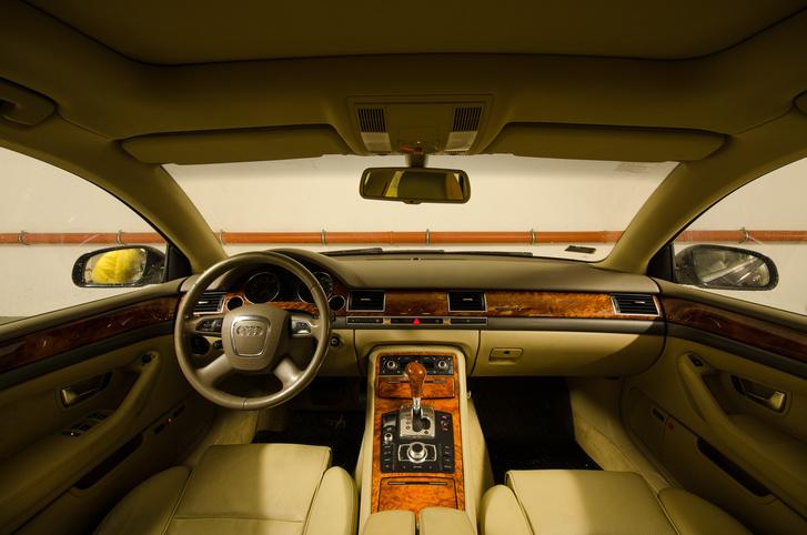 Tíz éve elállt tőle a lélegzet, érdekes, hogy még egy Audi-beltér dizájnja is meg tud öregedni.