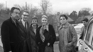 A besúgó, a hollywoodi csillag és a drámaíró találkozása az ifjú Psota Irénnel egy régi fotón