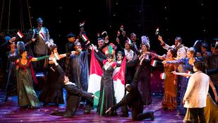 Osztrák darab, magyar társulat, izraeli turné: a Denevér Tel Avivban