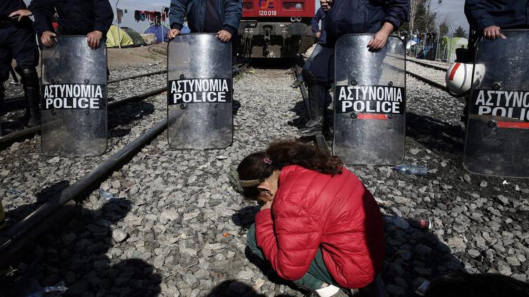 Menekültválság: mindent a görögök kapnak a nyakukba