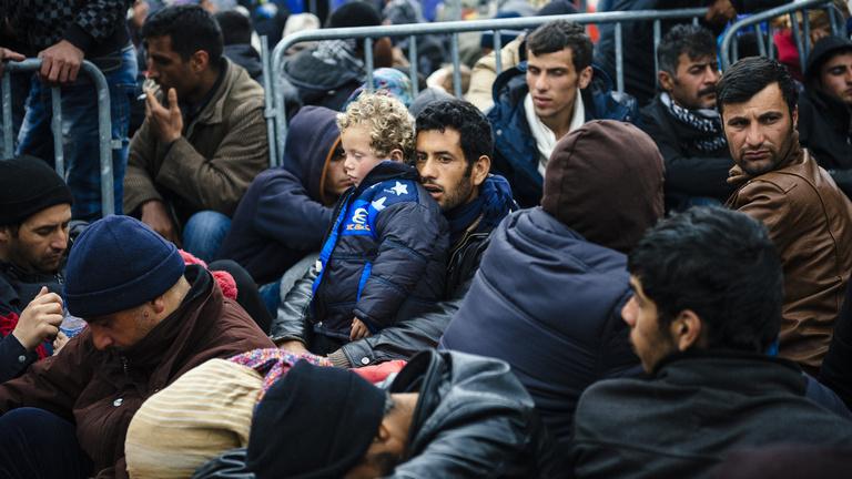 Menekültválság: mindenki magára maradt