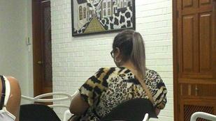 Ez a nő véletlenül egy festményhez öltözött