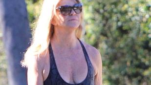 Goldie Hawn 70 évesen is büszke a dekoltázsára