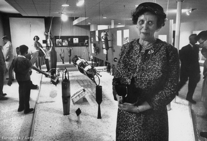 Mrs. Robert Goddard