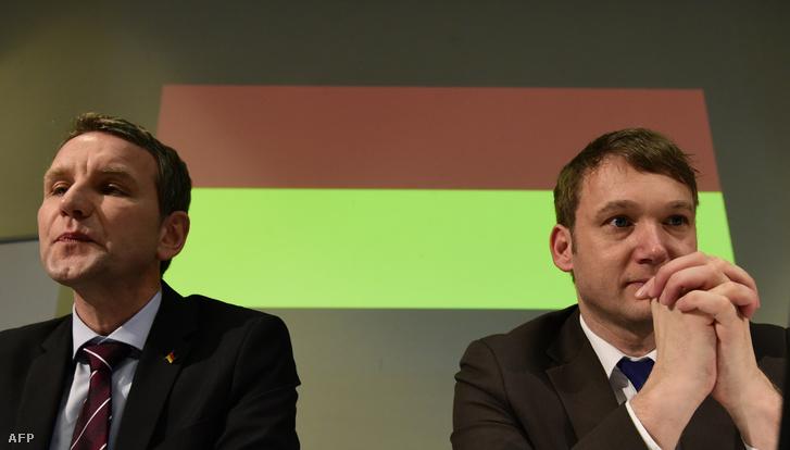 Bjorn Hocke és Andre Poggenburg az AfD politikusai egy kampányrendezvényen, 2016. március 11-én.