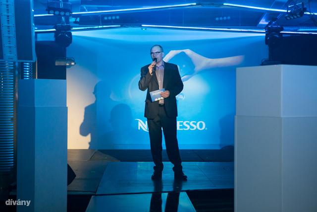 Gundel Takács Gábor vezette fel a Nespresso új gépének bemutatóját