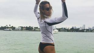 Kiss Ramóna formás feneket mutatott Miamiból