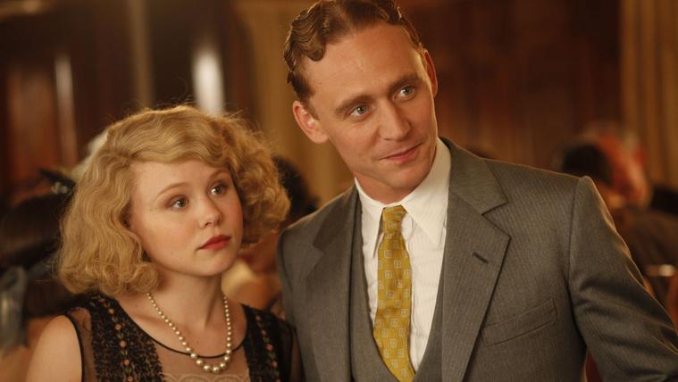 Tom Hiddleston mint F. Scott Fitzgerald az Éjfélkor Párizsban című Woody Allen-filmben